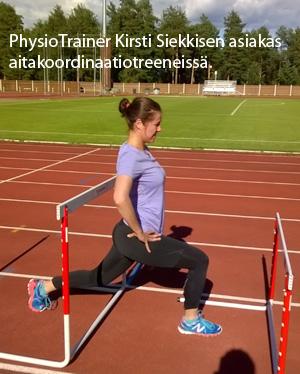 PhysioTrainer Kirsi Siekkisen asiakas aitakoordinaatiotreeneissa kuva