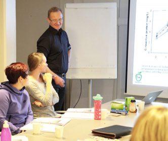 Reijo Laatikainen luennoi Ravintovalmentajassa